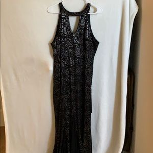 Black&silver long tight dress with mermaid vibes